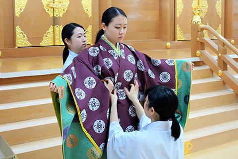 川元さん 1年前の成人加冠式で