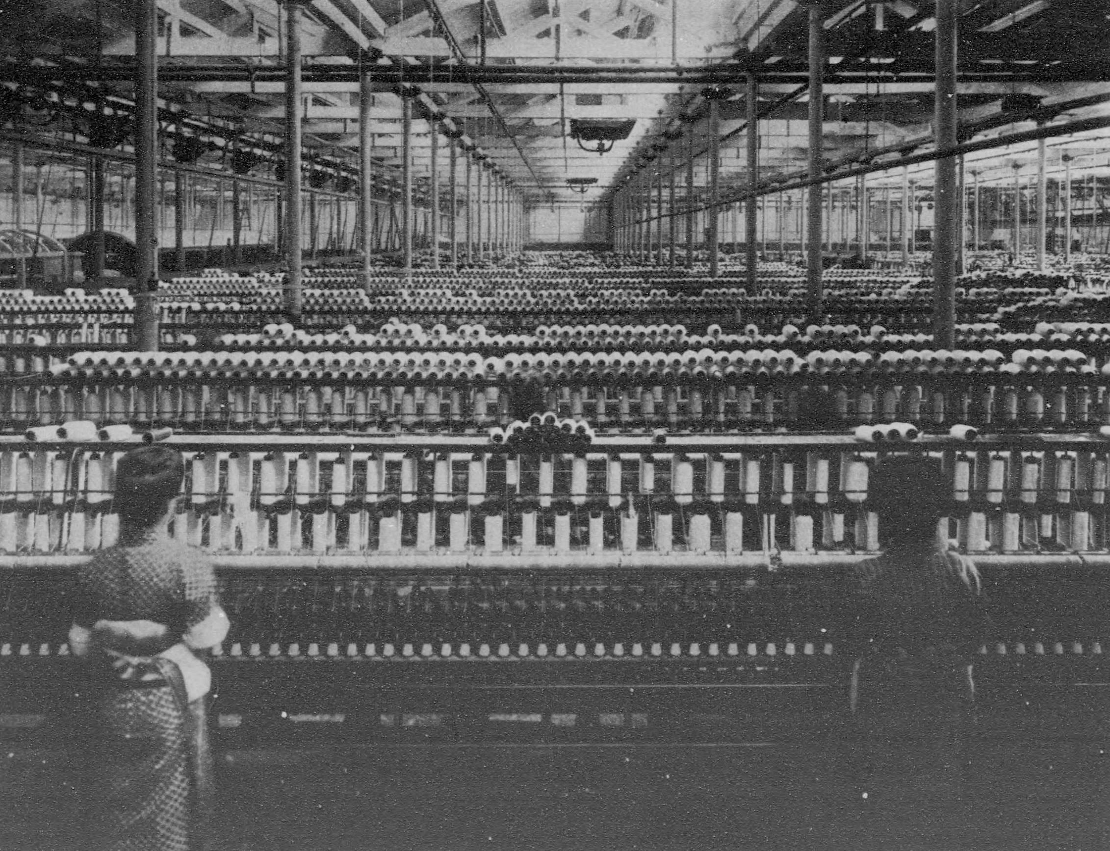 渋沢栄一が手がけた大阪紡績(現・東洋紡)。彼の合理的な判断が奏功し、紡績という産業が大きく成長した。(写真:国立国会図書館)