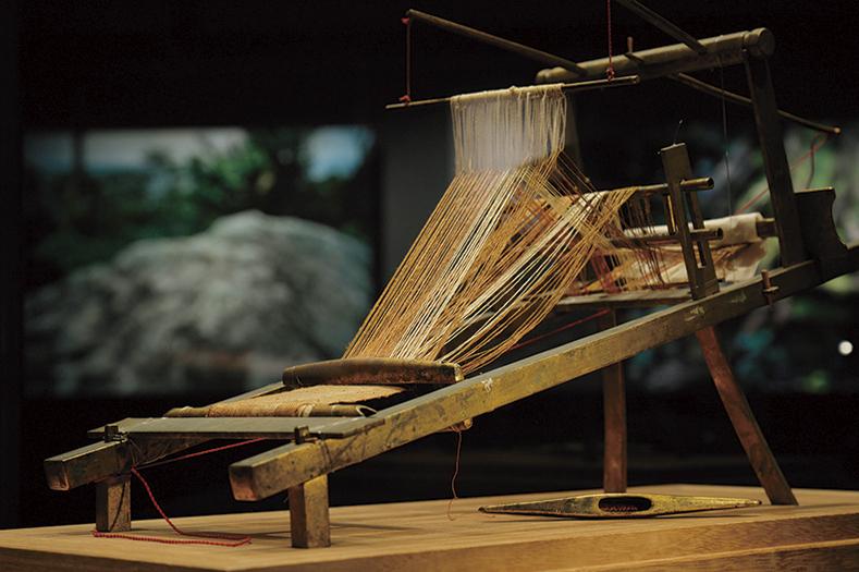 8〜9世紀頃のミニチュア機織機。当時の最先端品を祭祀で奉納したと考えられる。