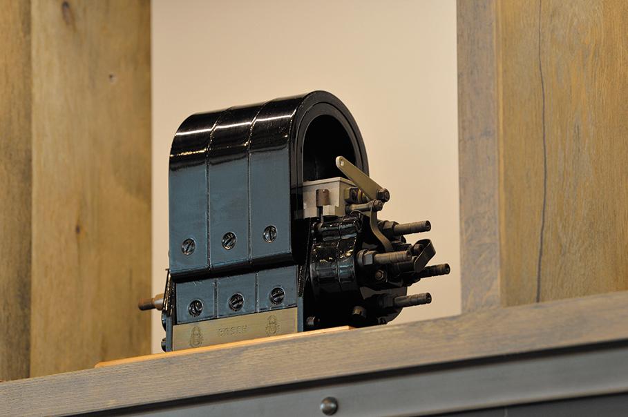 「マグネトー式高圧点火装置」はcafé 1886 at Boschに飾られている。