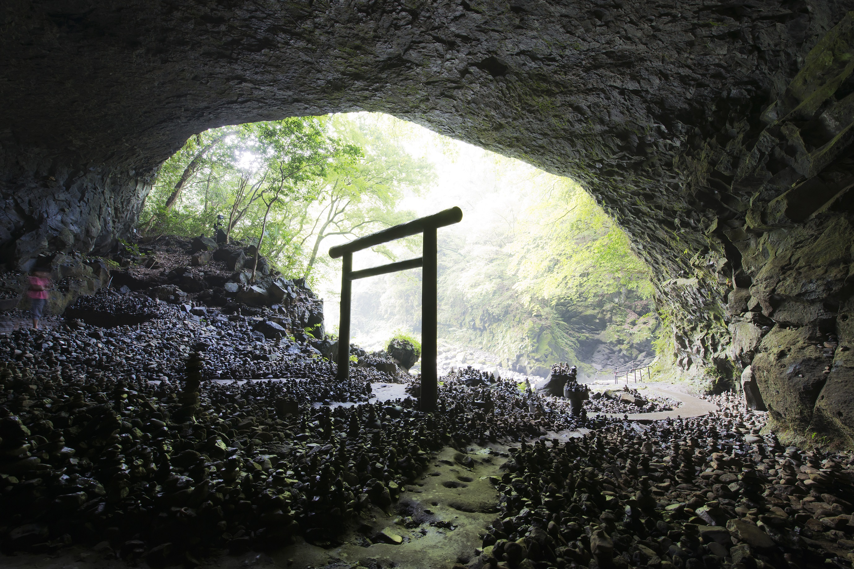 Takachiho, Ama no Yasukawara — the place where eight million troubled deities supposedly congregated at the riverbed when Amaterasu hid in the cave.