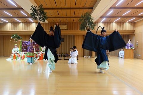2902神道学専攻科舞奉納06